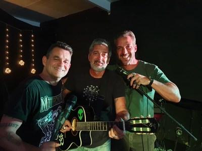 Carlos Bonow e Fred Eça se apresentam em show no Centro Cultural Hypezinho Rooftop, Sábado, 7